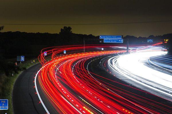 Langzeitbelichtung Verkehr, Autobahn, Beleuchtung