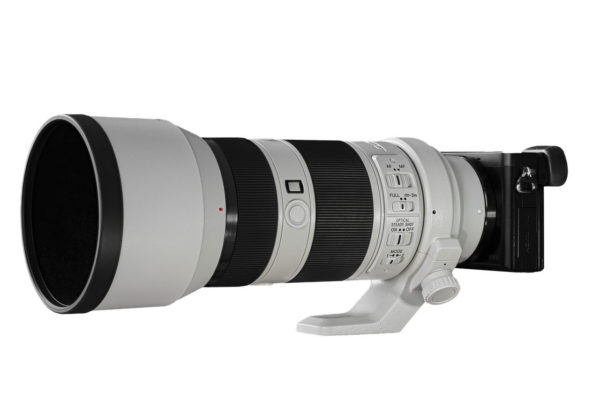 Teleobjektiv bzw. Zoomobjektiv an einer Kamera